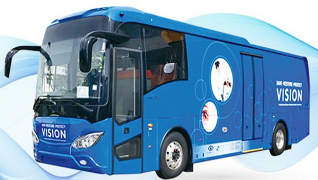 ​Older people with poor mobility can now get eye screening at their doorstep when this big blue bus pulls up.