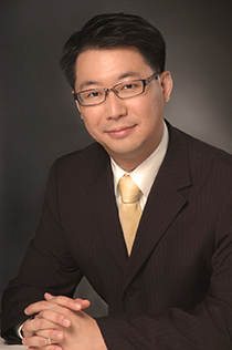 Dr Sunny Shen from Singapore National Eye Centre